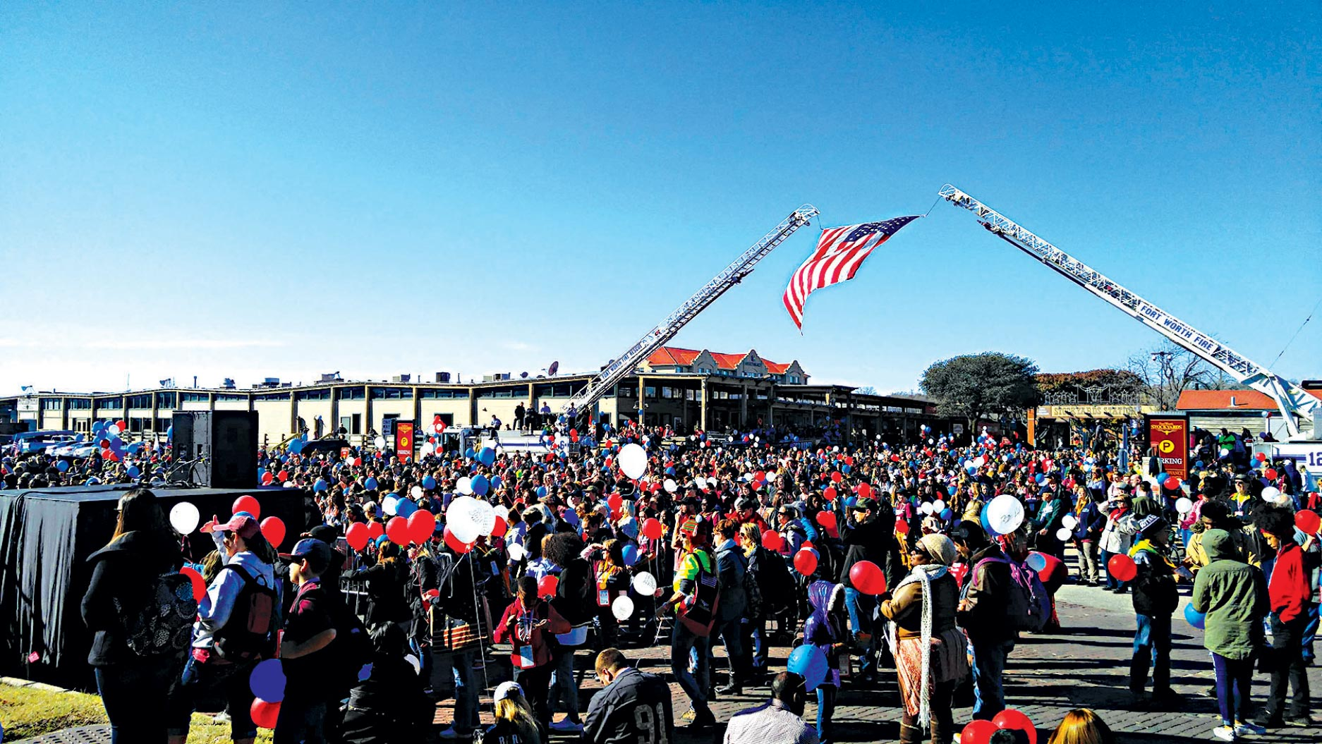 (Courtesy photo) FORT WORTH, TX—More than 1,700 family members and mentors gathered for the Snowball Express balloon release in Dallas, TX, Dec. 9, 2017. The event brings together children of fallen military members and gives them a chance to relate to other children going through the same experiences.